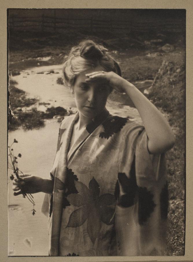 Eva Watson Schutze, 1898
