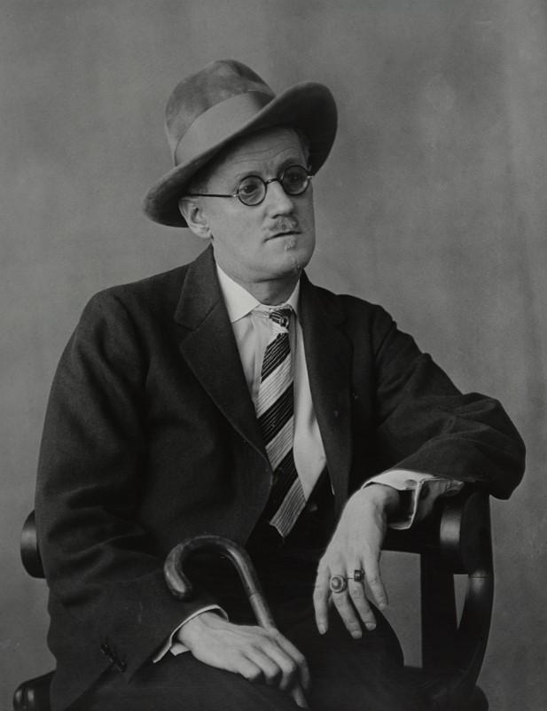 fotografa-berenice-abbott-james-joyce-1928